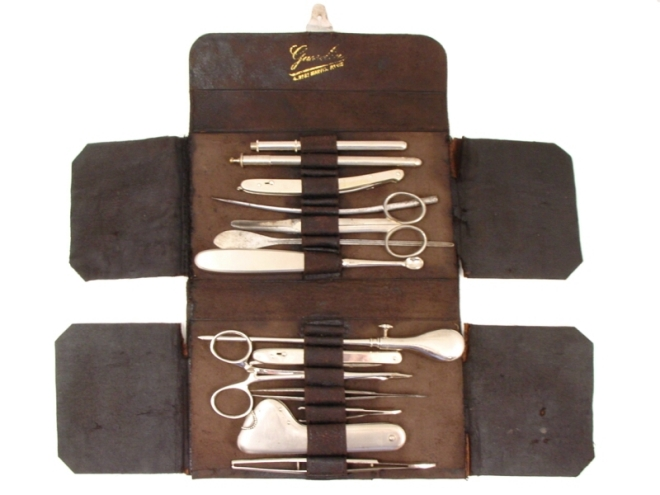 antique-travelling-surgical-set-(gasselin)-401