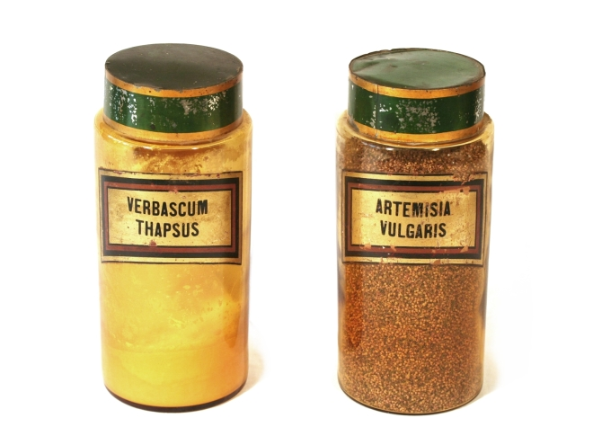 apothecary-jars-french-204