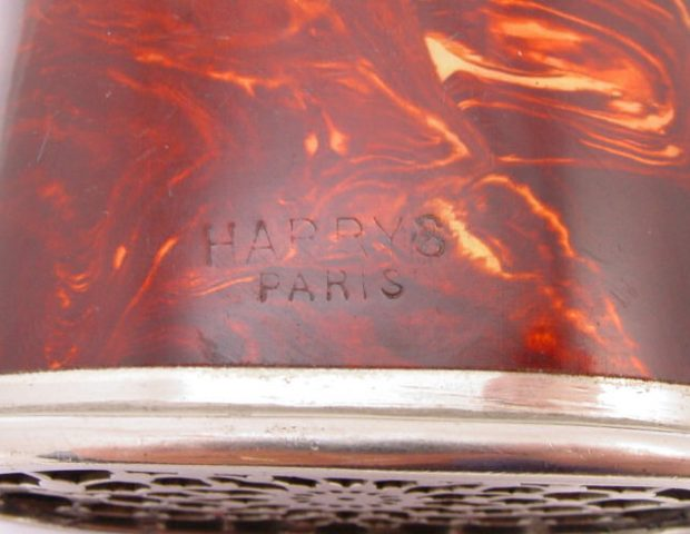 ear-horn-metal-harrys-paris-107