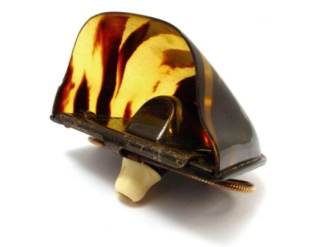 ear-horn-superear-celluloid-102
