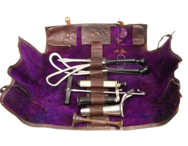 gynaecology-instrument-set-antique-100