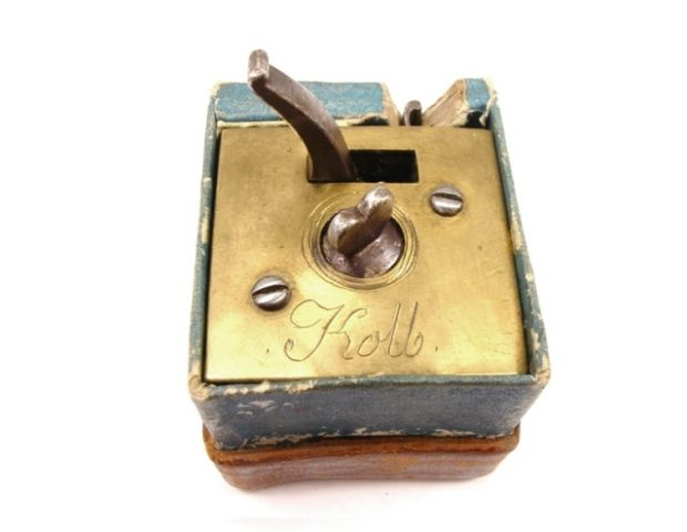 scarificator-square-brass-boxed-kolb-304