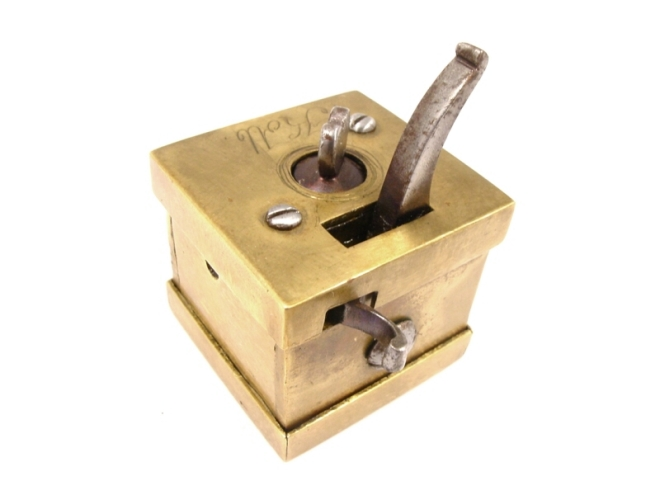 scarificator-square-brass-boxed-kolb-306